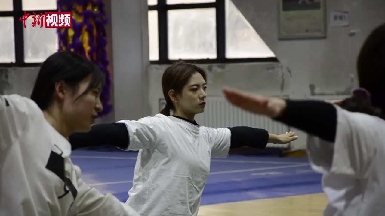 甘肃一高校体育课走红:射箭 练瑜伽也能得学分