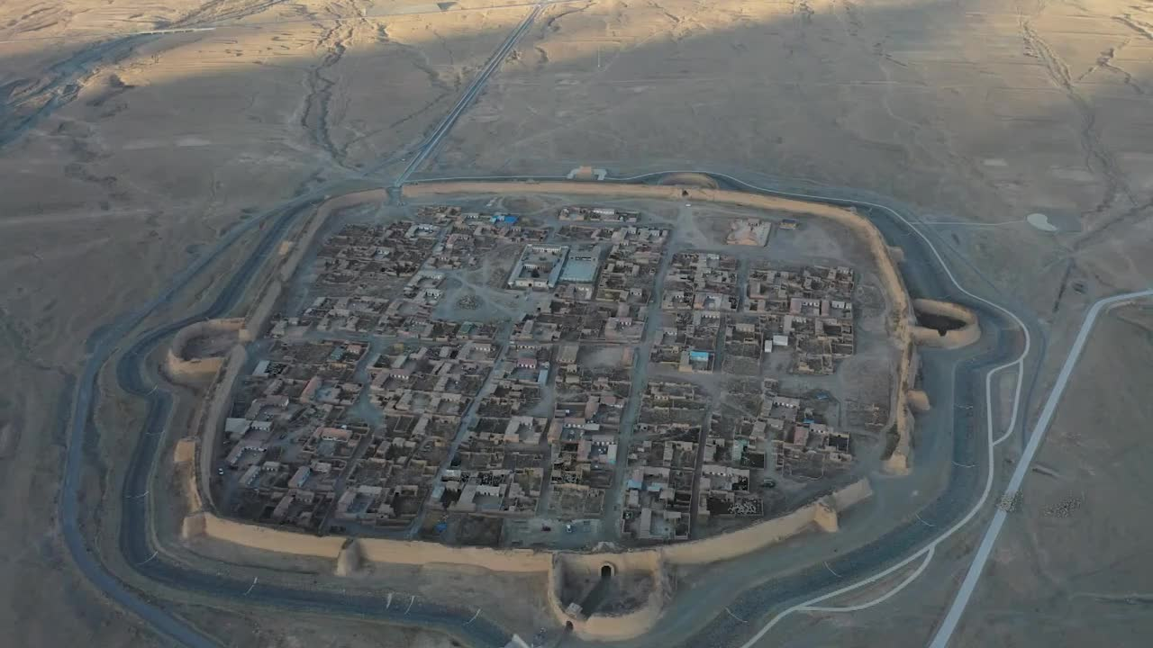 甘肃白银:400年古城形似乌龟 堪称古代军事要塞典范